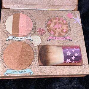 Bronzer palette